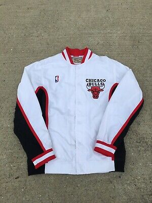 a6c6f06fab1 MITCHELL   NESS Nba Hwc Chicago Bulls 1992-93 Warm Up Jacket Size 40 M