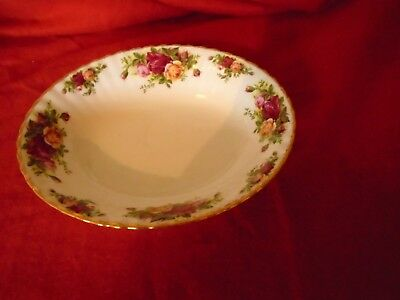 Royal Albert Old Country Roses ** A STUNNING OVAL SERVING BOWL **** UNUSED ***