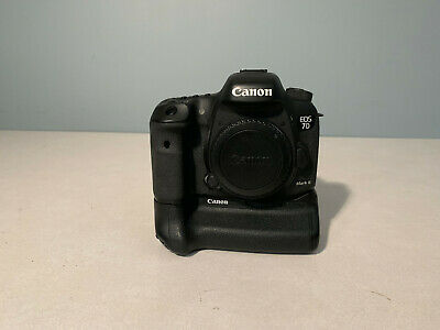 Canon EOS 7D Mark II (9128B002) 20.2MP Digital SLR Camera with Battery Grip