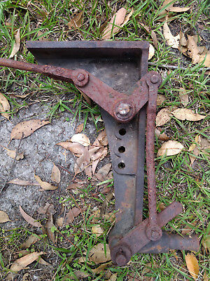 VR Victorian Railways Signal Bracket for mounting a ground signal on a post.
