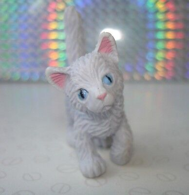 Puppy In My Pocket Kitten In My Pocket Off White Grey Cat Figure with Blue Eyes