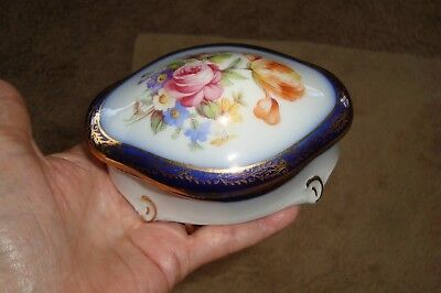 BEAUTIFUL ANTIQUE EUROPEAN PORCELAIN TRINKET/JEWELRY BOX FLOW BLUE/22k GOLD TRIM