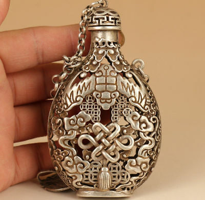 Tibet Silver Old Hand Carve Lucky Chinese knotting Statue Snuff Bottle Netsuke