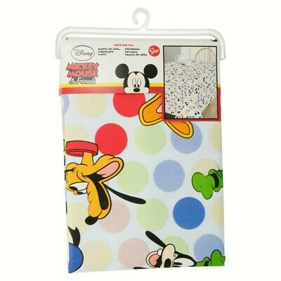 HULE 1,40 x 1,40 m MICKEY & FRIENDS ONE AND ONLY