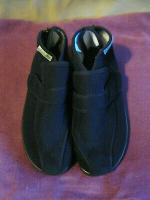 Men's size 10/44 navy blue full foot slippers with zip and velcro fastenings