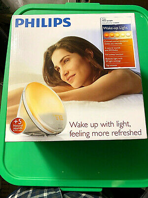 New Philips HF3520 Wake-Up Light With Colored Sunrise Simulation FM Sound White