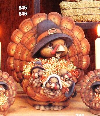 Ceramic Bisque Pilgrim Turkey with Wing Pocket Clay Magic 2442 Ready To Paint