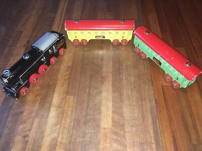 BRIO SWEDEN VINTAGE 1940s WOODEN TOY LOCOMOTIVE TRAIN SET - ULTRA RARE ITEM