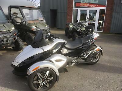 Can-Am Spyder Roadster RS 990 Manual Clearance