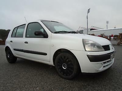 Renault Clio 1.4 Expression automatic 2005 36,000 miles