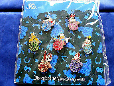 Disney * 2013 Fab Characters * 7 Pin BOOSTER Set MIP Mickey Minnie Donald C & D