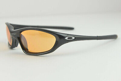 f740a03e318 MEN S OAKLEY FLAK Jacket XLJ Livestrong Sunglasses -  80.00