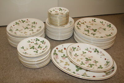 Wedgwood Wild Strawberry Oven To Table Dinnerwear Bone China Set-59 Total Pieces