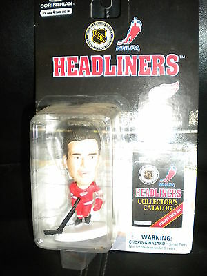Nhl Detroit Red Wings Steve Yzerman Hand Painted Hockey  Headliners Player