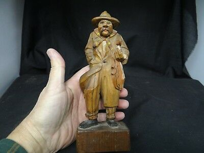 old wood carving,Musician,7 3/4''T small chip as shown