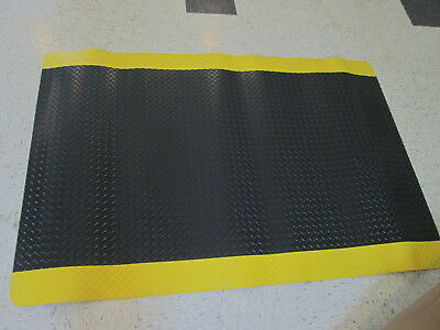 NOTRAX Antifatigue Mat,3 ft. W,6 ft. L, Black with Yellow Border