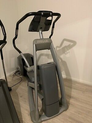 Fitness & Jogging PRECOR EFX 835 Crosser mit P30 Konsole Cross Trainer Cardio Fitness Studio Gym