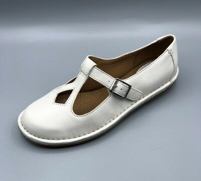 6aa30f98d CLARKS ARTISAN CREAM Leather  Tustin Talent  Mary Jane Flat Buckle ...