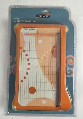 Fiskars 9 Inch Bypass Paper Trimmer with Scale and Grid 12-9913