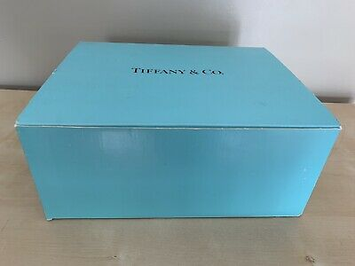 """Tiffany & Co Beautiful Vintage 8 5/8"""" Lead Crystal Pair of Champagne Flutes"""