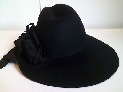 a9d2c5a71 GUCCI Women s Black Felt Asymmetrical Wide Brim Fedora Hat Sz 57 Medium NWT