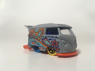 2018 hot wheels volkswagen kool kombi gray Q case LOOSE