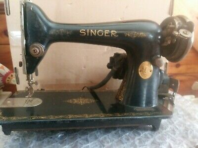 """Estate Find"" Vintage SINGER Sewing Machine Serial # AD 183699 Restore/Parts"
