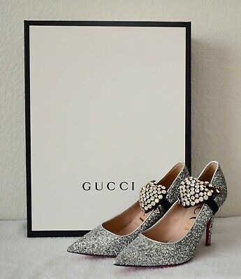 9c1e8b83a33c GUCCI SILVER VIRGINIA Glitter with Crystal Embellished Heart Pumps ...