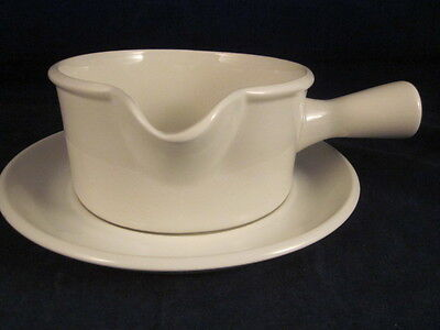 WEDGWOOD MIDWINTER Stonehenge White Gravy Boat & Underplate