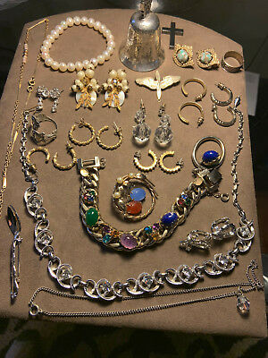87c48751a Lot of vintage costume jewelry including bracelets, necklaces, earrings,  brooch