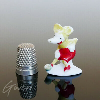 Feve Ancienne Allemande Mickey Mouse Jaune 35 x 20 mm Miniature Biscuit Figurine
