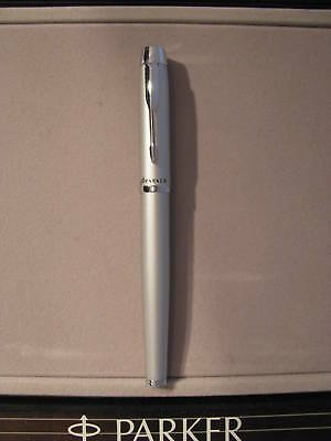 Parker IM Pen With 5 refills Silver New Nice Pen