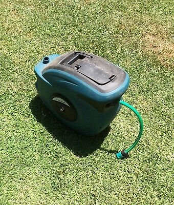 30m Retractable Auto Rewind Water Hose Reel  Quick Release Used no wall bracket