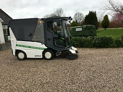Tennant 500Ze Electric Road Sweeper With Pressure Washer