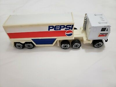 1987 Remco Toys Pepsi Tractor Trailer w/Bottles (Pre-Owned)