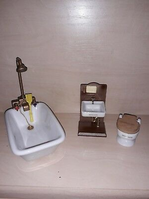 Sylvanian Families Vintage Tomy Ceramic Bath And Shower Toilet And Sink...