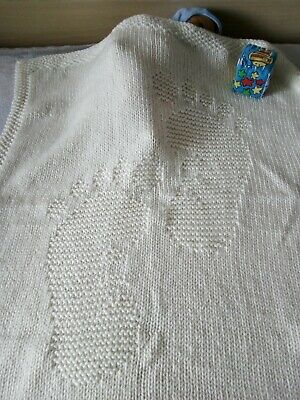 Hand knitted baby/children blanket/quilt with Steps