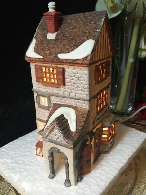 Dept 56 Dickens' Heritage Village Collection POULTERER #5926-9 Porcelain Retired