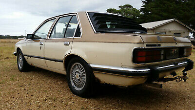 Holden Commodore VC SLE 253