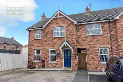 Northern Ireland - Stunning 3 bedroom End Townhouse with ample outside space