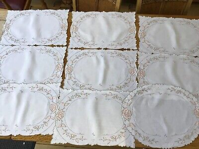 8 Vintage Linen Table Mats & 8 Matching Napkins & 1 Centre Mat