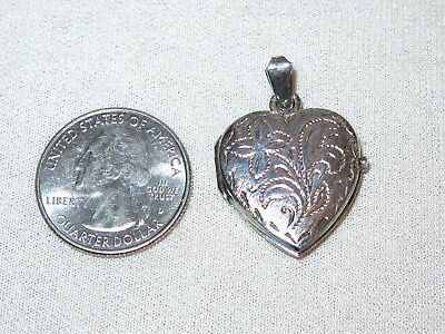 Sterling Silver Italy Etched Double Heart Pendant Locket Glass Insert 2 Photos