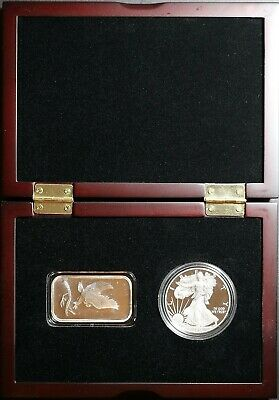 2015 One American Silver Eagle Proof & 1 SilverTowne Eagle Bar in Display Case