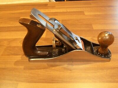 Vintage Stanley Bailey No 04 Woodworking Plane
