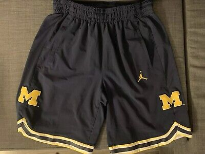 2e6b9196131 AUTHENTIC UNIVERSITY OF Michigan Jordan Navy Shorts Size Large Men's ...
