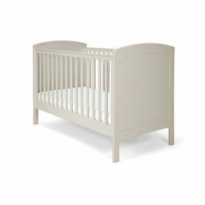 Mamas & Papas Mia Classic Cot Bed Grey *RRP £349.99* *NOW £209.99* SAVE £140