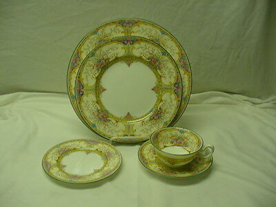 Wedgwood St Austell Dinner Service for 12