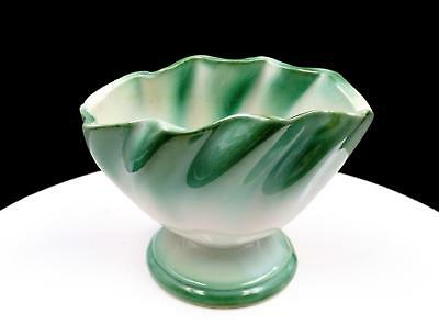 """Hull Art Pottery Regal Usa #303 Green And White 4 3/4"""" Vase"""