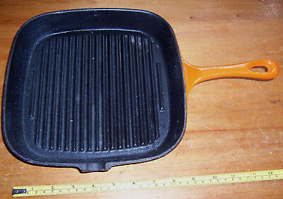 "Vintage cast iron skillet frying pan crepe pan 9.1/4"" wide flame orange colour"