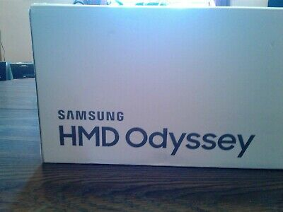 Samsung HMD Odyssey VR Headset W/ EXTENSION CABLES Excellent condion see Descrip